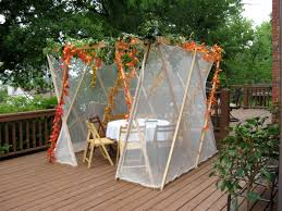 Sukkot:  Five Nights of Ushpizin Oct. 4 -8, 7:00 – 7:30 p.m.